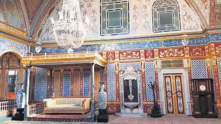 Topkapı Sarayı'nda restorasyon adı altında tarih kıyımı!