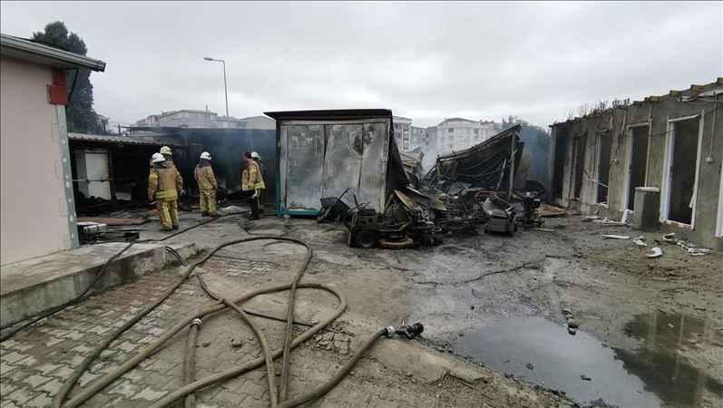 Esenyurt'ta işçilerin kaldığı şantiyede yangın