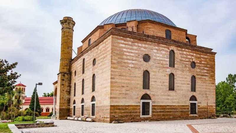 Yunanistan'da tarihi camiye saldırı!