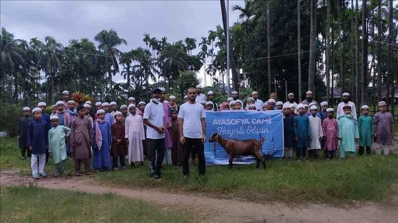 Arakanlı ve Bangladeşli yetimler Ayasofya Camisi için dua etti