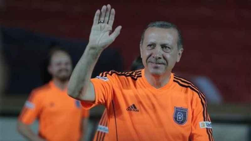 Cumhurbaşkanı Erdoğan şampiyon Medipol Başakşehir'i tebrik etti