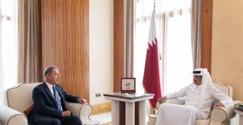 Bakan Akar, Katar Emiri Şeyh Tamim ile görüştü