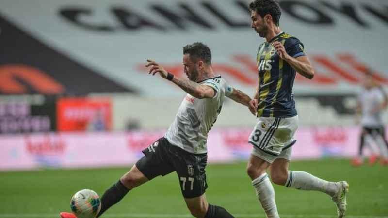 Beşiktaş Fenerbahçe'yi devirdi! Kartal kanaryayı yaraladı