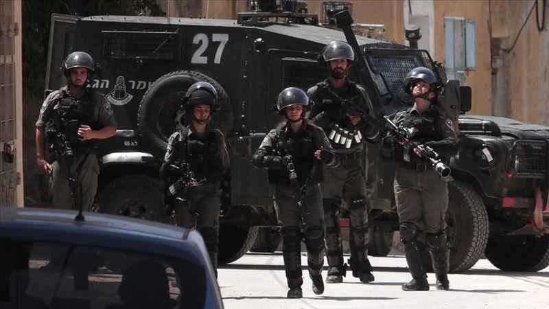 İşgalci siyonist İsrail güçleri Batı Şeria'da 2 Filistinliyi yaraladı