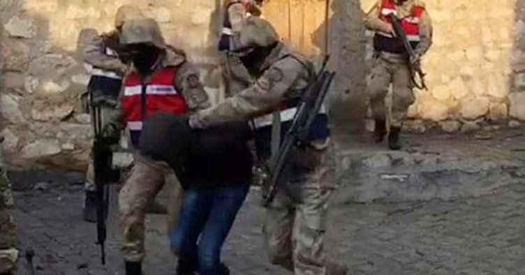 Habur'da teslim olan 5 teröristten 4'ü tutuklandı