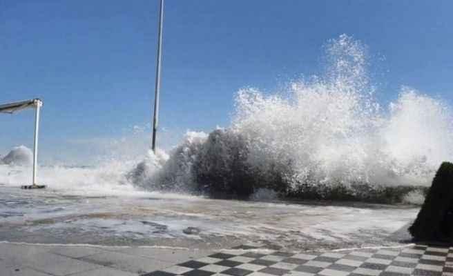 Meteorolojiden Doğu Karadeniz'e 'fırtına' uyarısı