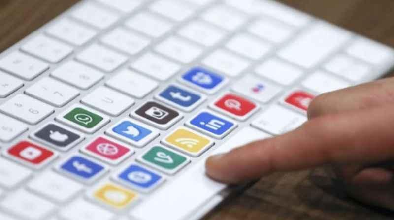 AK Parti duyurdu: İşte madde madde sosyal medya düzenlemesi