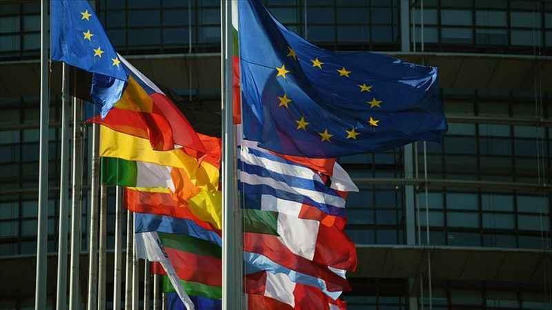 AB üyesi 27 ülke lideri ekonomik kurtarma paketi üzerine anlaştı