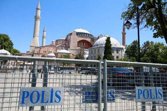 Ayasofya Camii'ndeki açılış hazırlıklarında sona yaklaşıldı