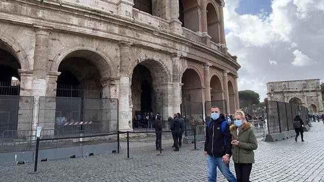 İtalya'da koronavirüs vaka sayıları artıyor!