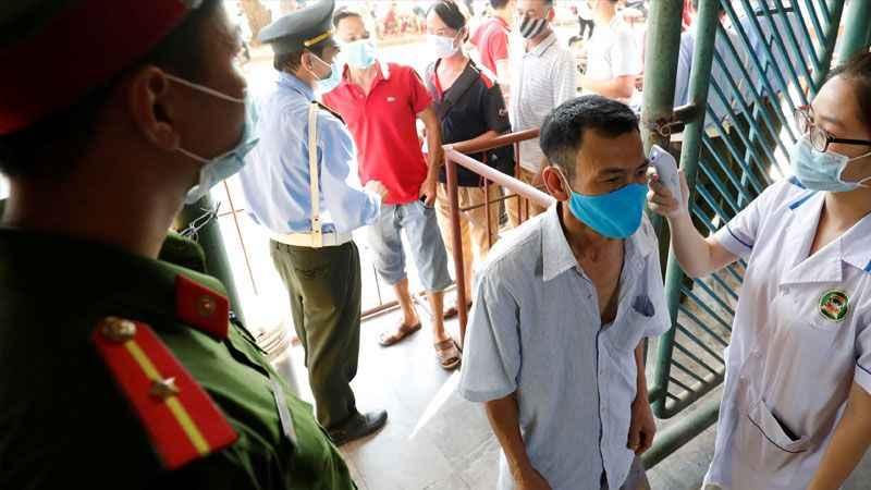Vietnam'da 3 kişide koronavirüs çıktı, 80 bin kişi tahliye edildi!