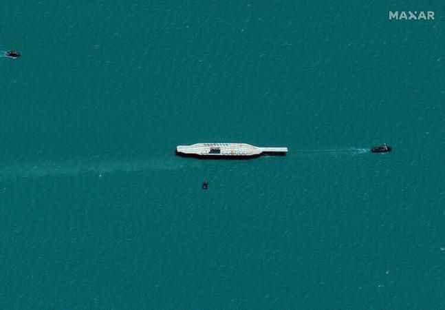 İran'dan dünyayı şaşırtan olay! Uçak gemisi füzeyle vurdular