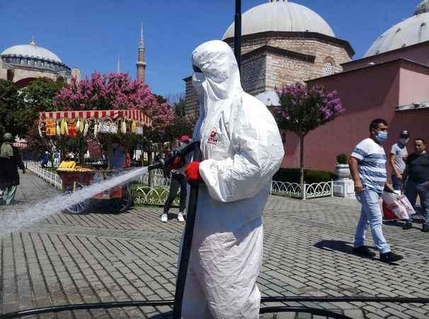 Ayasofya Camii bayram namazına hazırlanıyor