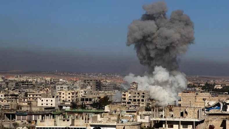 Rus savaş uçakları İdlib'i vurdu: 4 kişi öldü