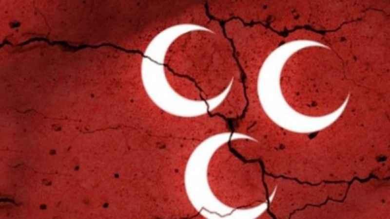 Flaş gelişme! MHP'de istifalar sürüyor: İlçe başkanı görevi bıraktı