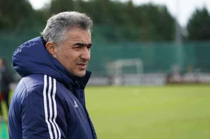 Kasımpaşa'nın yeni teknik direktörü Mehmet Altıparmak oldu!