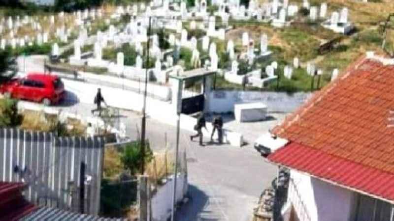 Yunanistan haddini aşıyor! Türk köyünde silahlı tatbikat yaptılar