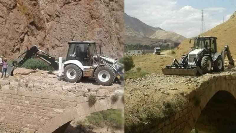 Tarih cinayeti! Sivas Divriği'de Kız Köprüsü'ne kepçeyle girildi