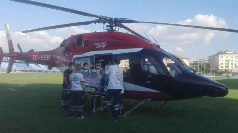 Helikopter 2 günlük hasta bebek için havalandı
