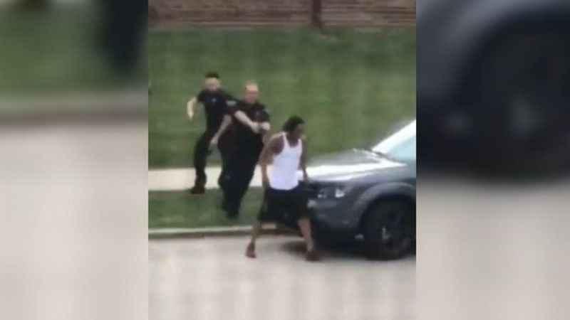 ABD'de polisin bir siyahiyi arkadan vurması tepkilere neden oldu