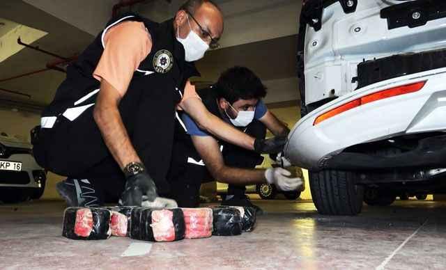 Bursa'da 'Fırtına-16' operasyonu! 100 bin uyuşturucu hap ele geçirildi