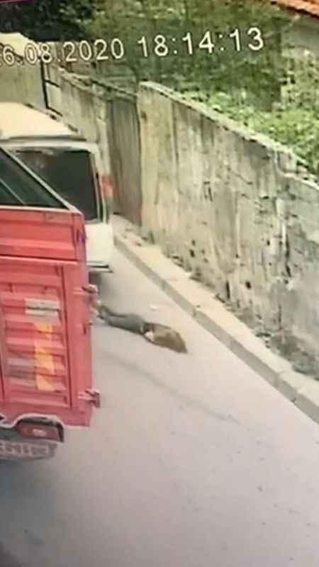 Beyoğlu'nda feci kaza, sokak da oynayan kız çocuğunu ezdi ve kaçtı