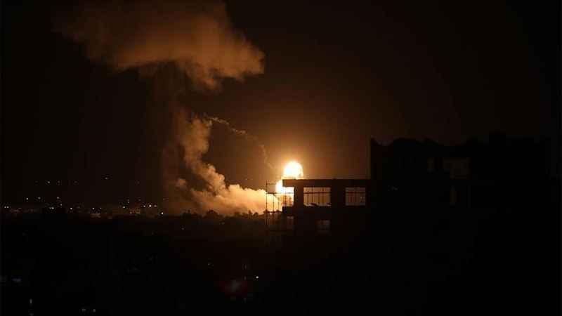 İşgalci İsrail güçleri Gazze'de Hamas'a ait bazı noktaları vurdu