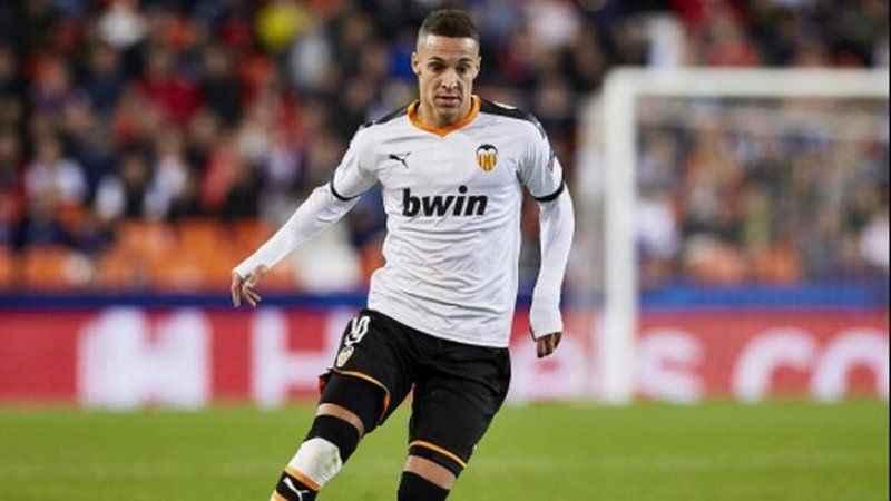 Leeds United, Rodrigo'yu transfer etti