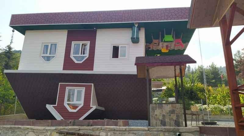 Mersin'de bir çiftçi 2020 ters gitti diyerek ters ev yaptı