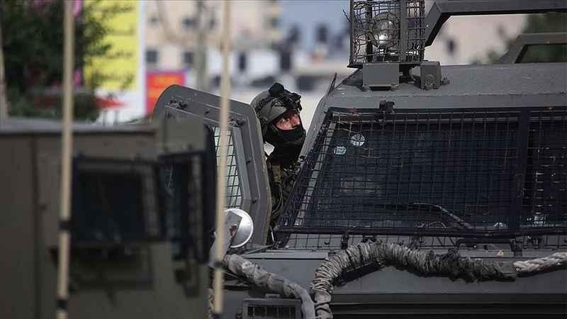 İşgalci İsrail güçleri Kudüs'te 4 Filistinliyi gözaltına aldı