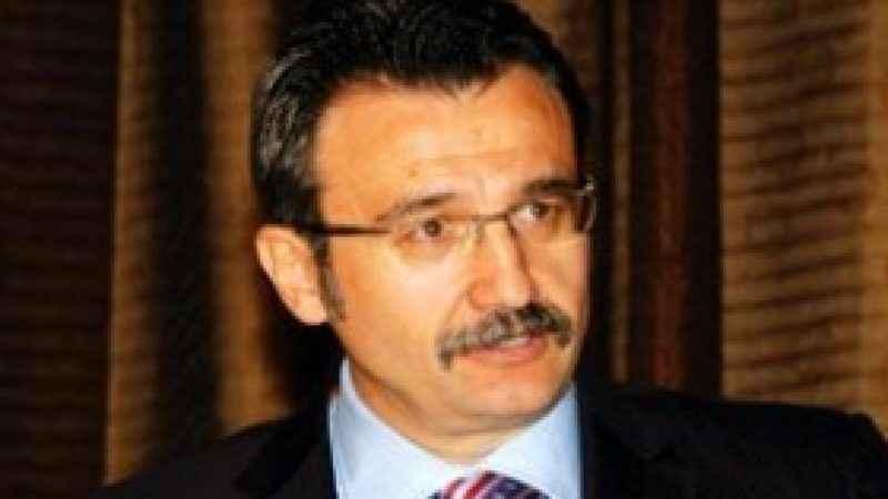 AK Partili eski bakan TV programı sunacak
