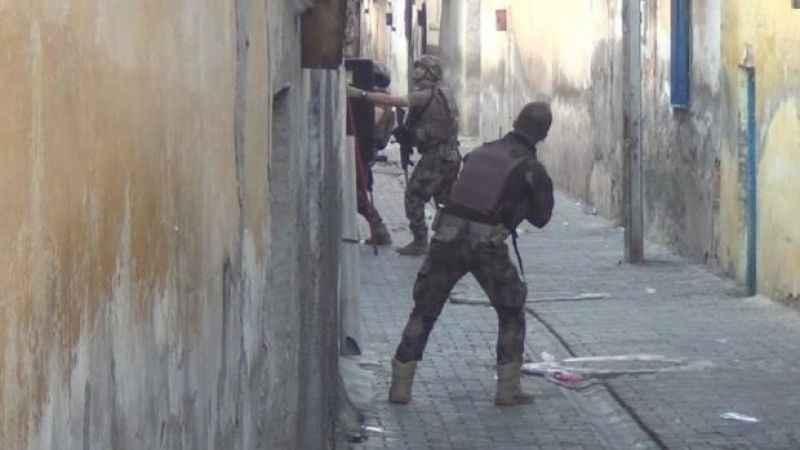 Şanlıurfa'da terör operasyonu 1'i Suriye uyruklu 2 kişi gözaltında