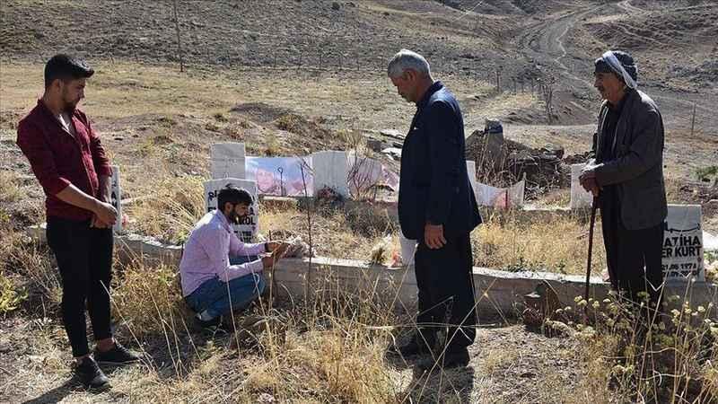 Hakkari'de PKK'nın 10 yıl önce katlettiği siviller anıldı
