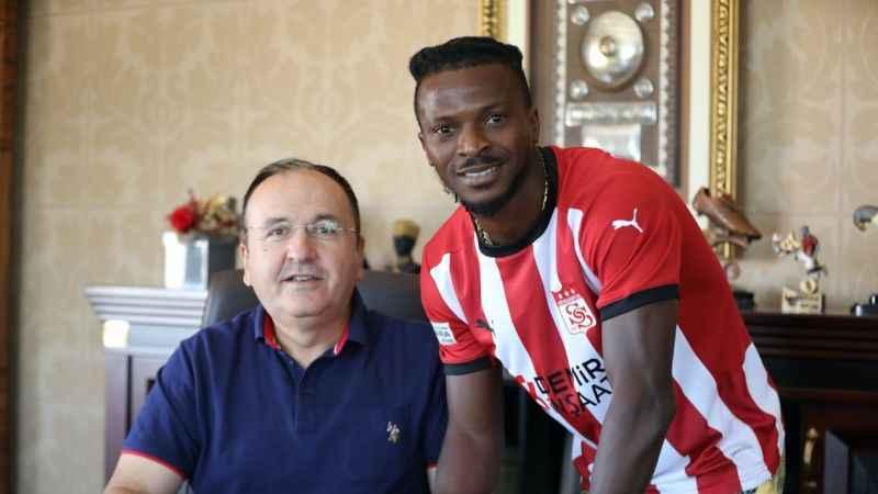 Olarenwaju Kayode resmen Sivasspor'da