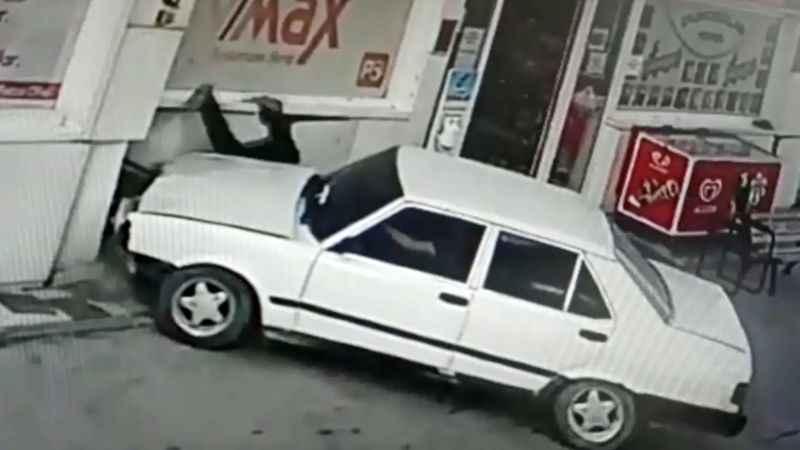 Tartıştığı akaryakıt istasyonu çalışanına otomobiliyle çarptı!