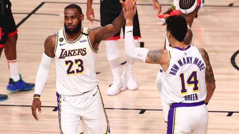 NBA'de LA Lakers Batı Konferansı final serisine galibiyet ile başladı