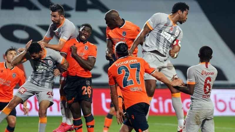 Şampiyon Medipol Başakşehir , Galatasaray'ı ağırlıyor