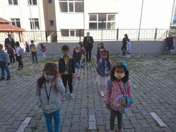Ardahan'da okullar yüz yüze eğitime başladı