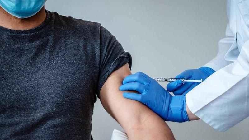 """Rahmi Turan: Siyasilere canlı yayında """"Çin aşısı"""" yapılsın!"""