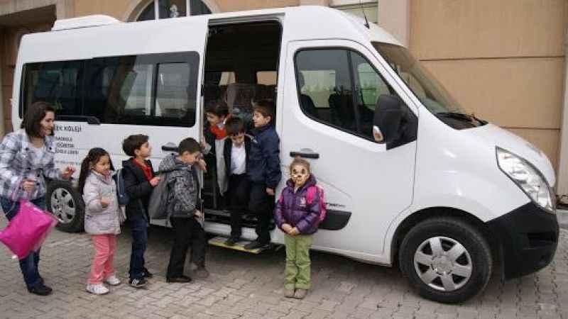 Bilim Kurulu Üyesi velileri uyardı: Servislerde bulaşma fazla olabilir