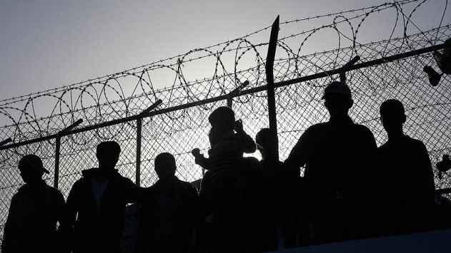 Fransa'da STK'ların mültecilere gıda dağıtımı yapması yasaklandı