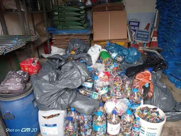 Körfez'de bin 600 kilo atık pil toplandı