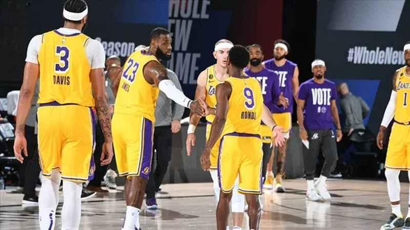 Los Angeles Lakers seride 3-1'lik avantajı yakaladı