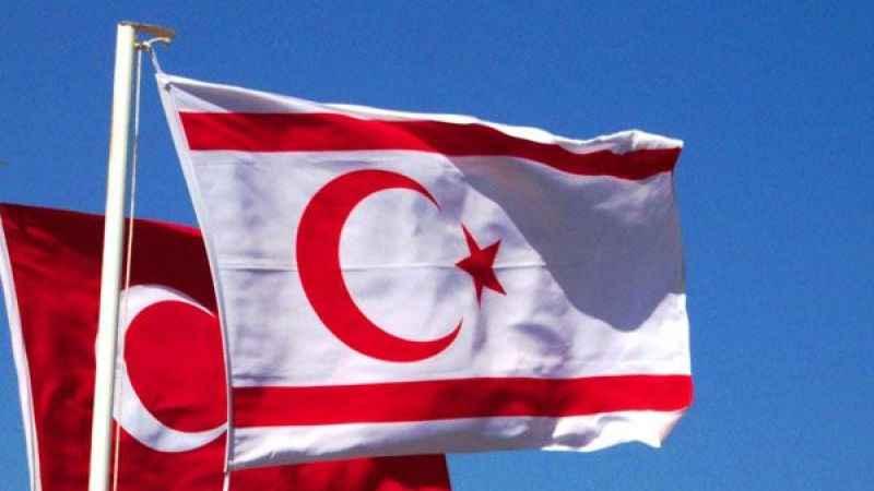 """İktidara yakın yazar: """"Kıbrıs elimizden gidiyor!"""""""
