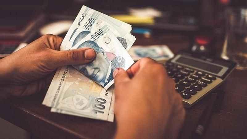Yeni yılda emekli ve memur maaşlarına kaç TL zam yapılacak?