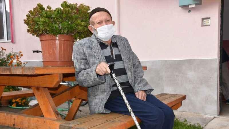 Bartınlı 103 yaşındaki Cafer dede koronavirüsü yendi!