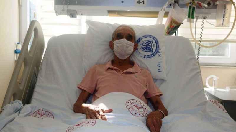 Yanlış maske kullandı, dört ay hastanede yattı!