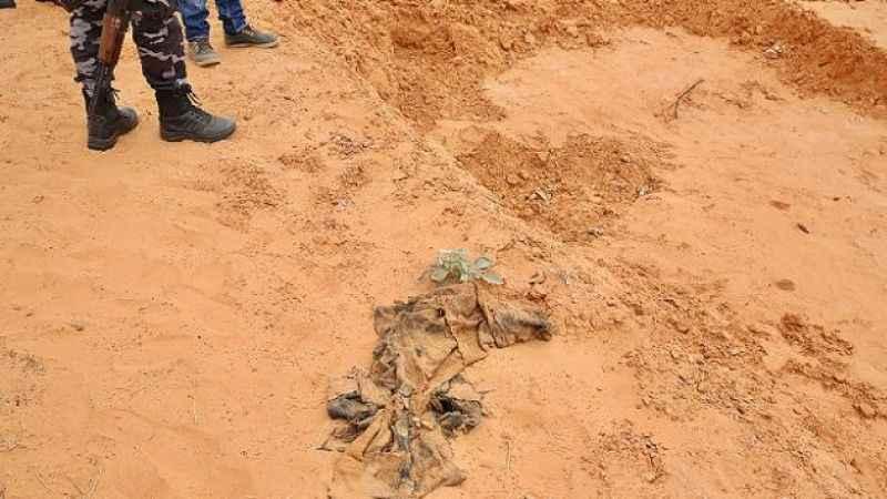 Libya'da bir toplu mezar daha bulundu!