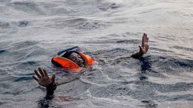 Mülteci denizi, Akdeniz!