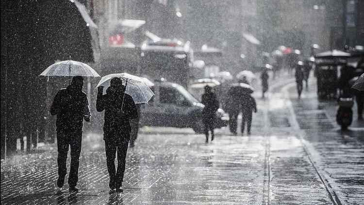 Bugün hava nasıl olacak? Meteoroloji'den İstanbul'a sağanak uyarısı